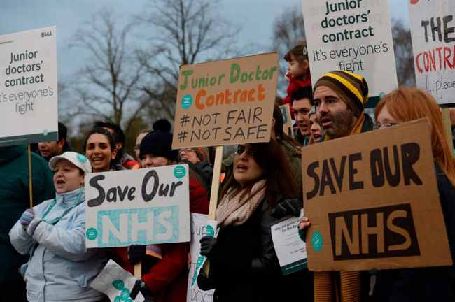 Junior-doctors-strike-at-QE-15.jpg