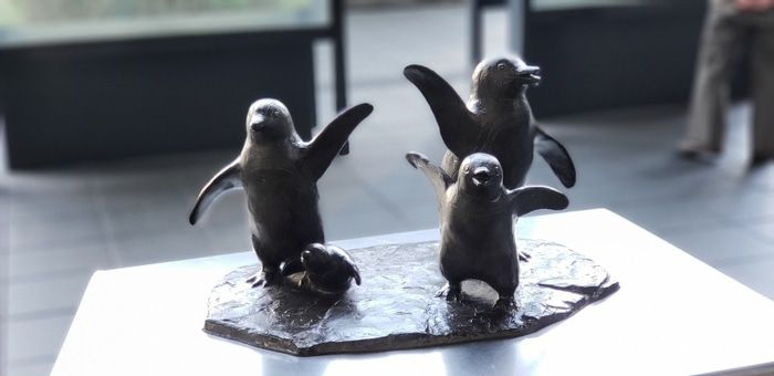 sayonara_penguins.jpg