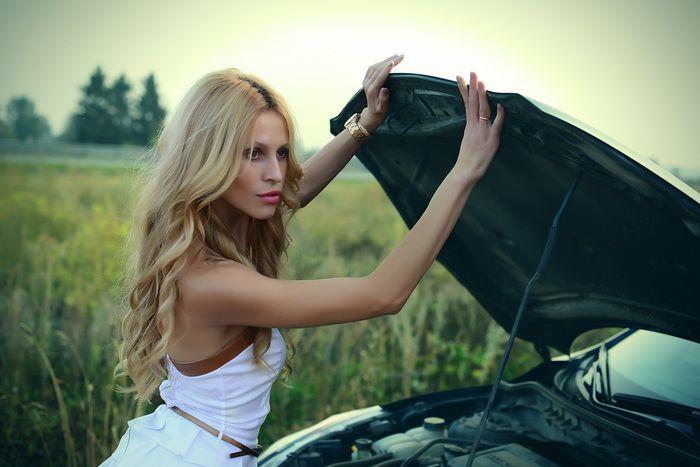 girl-and-car-4655249.jpg