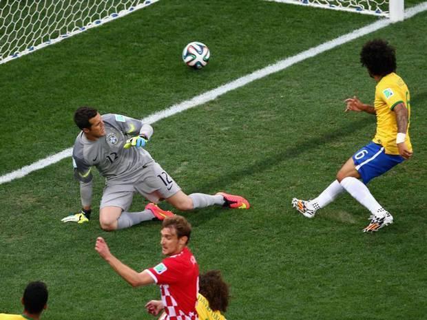 Marcelo_own goal.jpg