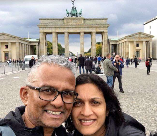 ashy-deepa-at-the-brandenburg-gate.jpg