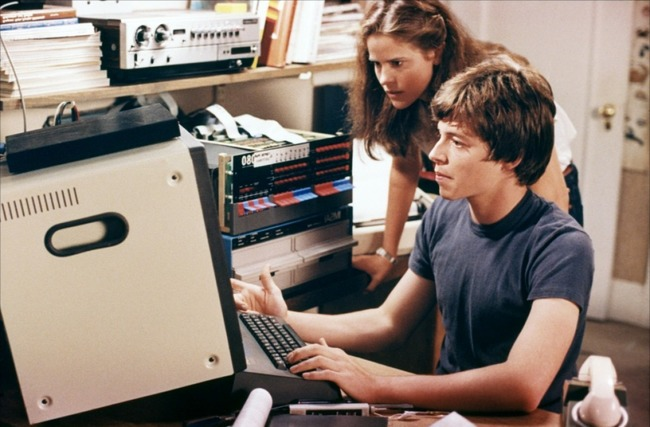 WarGames-Sheedy-and-Broderick-on-computer.jpg