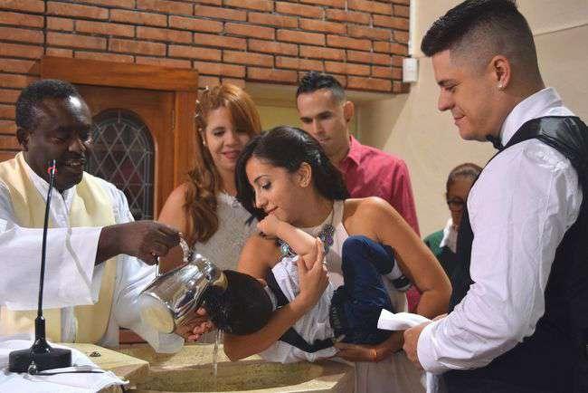 baptism-2556189_1920.jpg