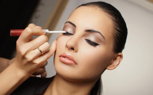 How to Find the Best Makeup Course in Delhi