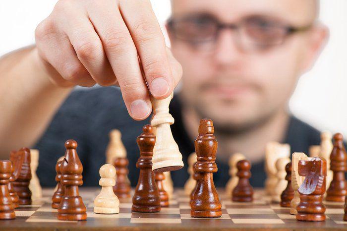 strategy-1080527_1920.jpg