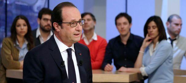 le-president-francois-hollande-interroge-par-maitena-biraben-dans-l-emission-le-supplement-sur-canal-le-19-avril-2015-a-paris_5324019.jpg