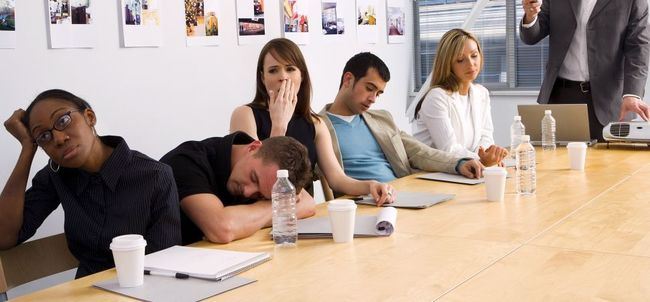 bored-employees-in-presentation-1940x900_29877.jpg